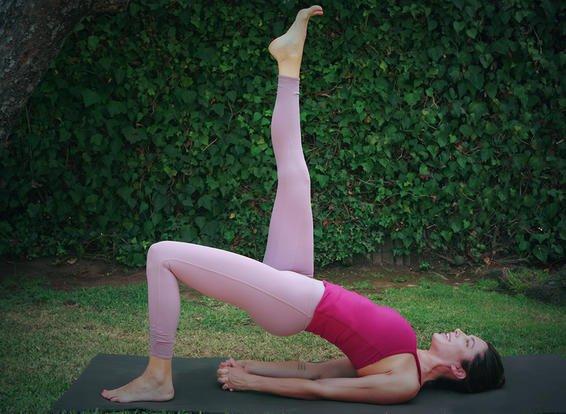 5 tư thế yoga tăng cường cơ sàn chậu không kém Kegel sẽ khiến bạn rèn luyện tốt hơn - Ảnh 6.