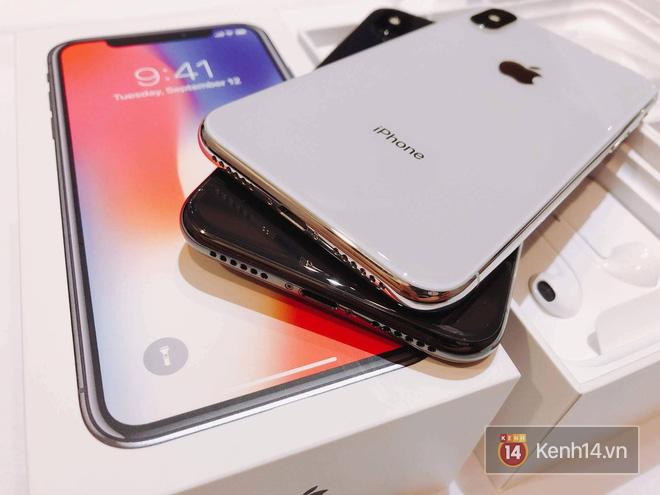 NÓNG: Đây là iPhone X 256GB đầu tiên sẽ về đến Việt Nam sáng nay, đầy đủ màu, giá 68 triệu đồng - Ảnh 6.