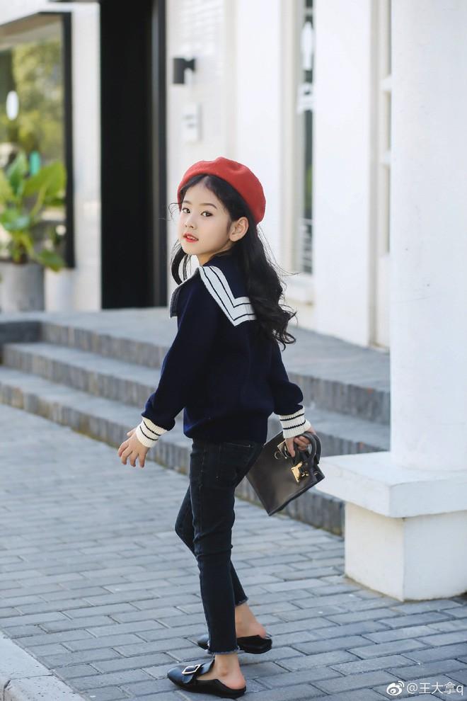 Tiểu tiên nữ có vẻ đẹp giống hệt Trương Bá Chi được dự đoán sẽ trở thành hot girl tương lai - Ảnh 6.