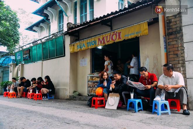 Sữa tươi Mười vào sáng tinh mơ và câu chuyện 20 năm gây thương nhớ của những cô chủ quán dễ thương nhất Sài Gòn - Ảnh 6.