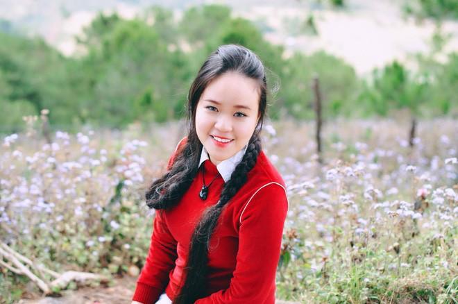 Cô gái Sài Gòn nuôi tóc dài 2m kiếm tiền triệu nhờ clip khoe tóc trên Youtube - Ảnh 6.