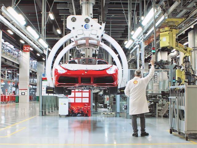 Ferrari truyền đam mê cho cả robot lắp ráp - Ảnh 6.