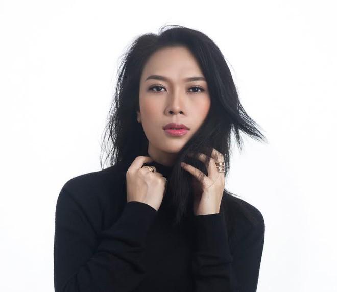 Làng nhạc Việt 2017: Bolero trỗi dậy và cuộc tranh cãi bất tận về ca sĩ hát hay - hát dở - Ảnh 6.