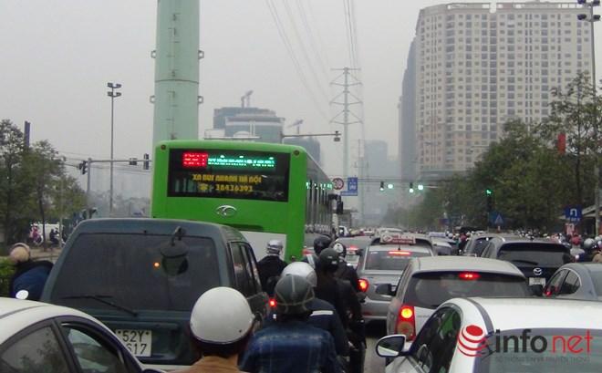 Tại sao CSGT chưa xử lý người chặn đường xe buýt nhanh BRT? - Ảnh 7.