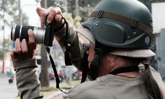 Chuyện của nhiếp ảnh gia 60 tuổi ở Sài Gòn được tái sinh sau 17 ca phẫu thuật vì bỏng lửa - Ảnh 7.