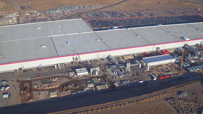 Cùng ngắm nhìn vẻ bề ngoài của siêu nhà máy khổng lồ Tesla Gigafactory rộng tới hơn 5 triệu mét vuông - Ảnh 7.