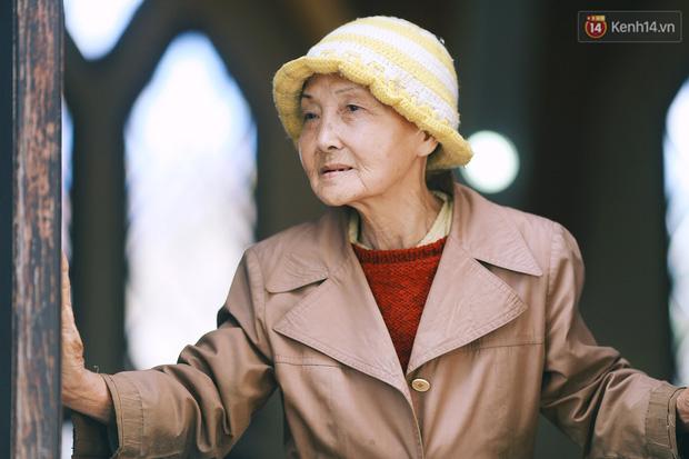 Hồng nhan thời trẻ nhưng về già chẳng chồng con, cụ bà 83 tuổi bầu bạn với thú hoang nơi phố núi Đà Lạt - Ảnh 8.