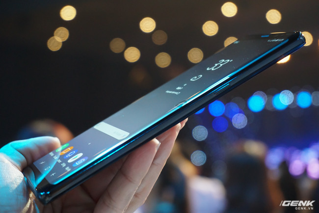 Samsung Galaxy Note8 chính thức ra mắt tại Việt Nam: Thiết kế ấn tượng, camera kép xóa phông chủ động, giá 22,5 triệu - Ảnh 7.