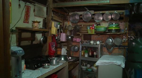 Mẹ ruột của ca sĩ Sơn Ngọc Minh ở nhà ổ chuột, làm giúp việc tại Cần Thơ - Ảnh 7.
