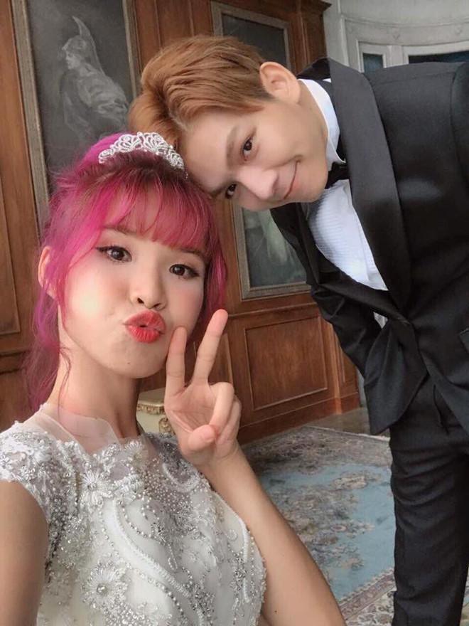 Khởi My e ấp, Kelvin Khánh để tóc dài lãng tử trong hậu trường chụp ảnh cưới - Ảnh 7.