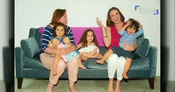 Người phụ nữ tốn núi tiền thụ tinh trong ống nghiệm đã tạo ra gia đình độc nhất vô nhị của thế giới - Ảnh 7.
