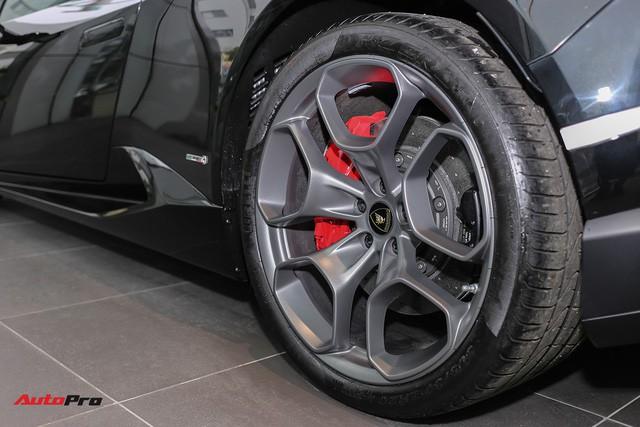Lamborghini Huracan màu đen đầu tiên Việt Nam đã có chủ nhân - Ảnh 6.