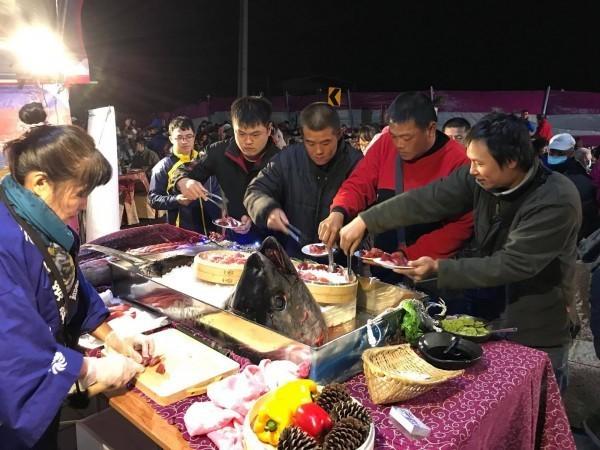 Dựng tới 600 bàn cỗ trên đường, đám cưới ở Đài Loan khiến cư dân mạng sửng sốt vì chơi sang - Ảnh 7.