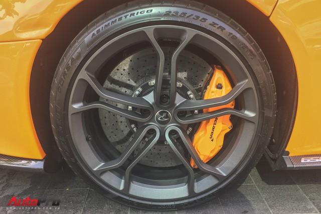 McLaren 650S Spider từng của Minh Nhựa tái xuất trên đường phố Sài Gòn - Ảnh 6.