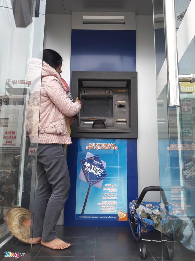 Những xó xỉnh rút tiền ở Hà Nội - Ảnh 8.
