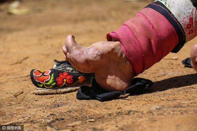 Mục sở thị những đôi chân gót sen cuối cùng của phụ nữ Trung Quốc thời hiện đại - Ảnh 8.