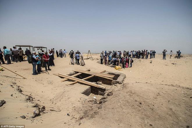 Khai quật mộ cổ Ai Cập 2300 năm tuổi - ít nhất 17 xác ướp cấp cao được tìm thấy - Ảnh 8.