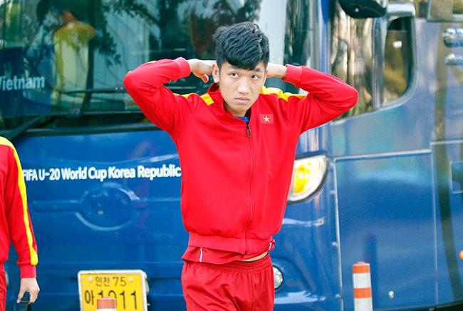 Hot boy U20 VN khiến HLV Hoàng Anh Tuấn âu lo - Ảnh 8.