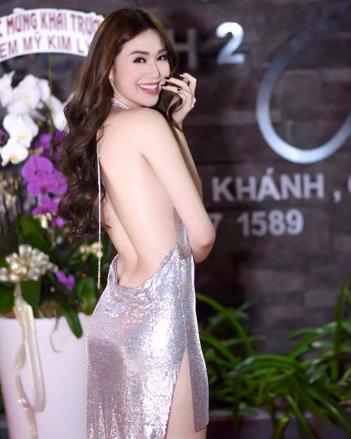 Liên tục bị tố mặc váy nhái, hai người đẹp Việt vẫn thản nhiên như không - Ảnh 3.