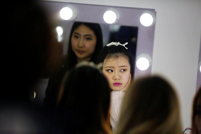 Nền công nghiệp hái ra tiền mới cho giới trẻ Trung Quốc: Chỉ cần livestream, có ngay vài chục triệu - Ảnh 8.