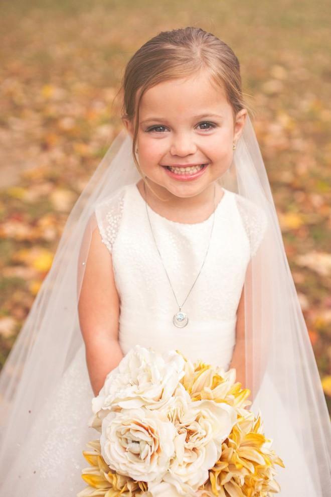 Cho con gái 5 tuổi chụp ảnh cưới, bà mẹ bị phản đối dữ dội nhưng khi biết sự thật, ai cũng nghẹn ngào bật khóc - Ảnh 8.