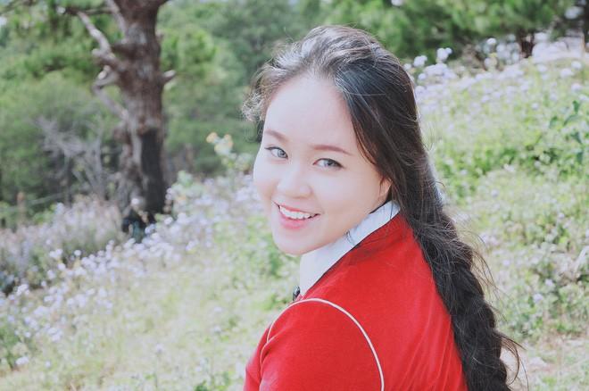 Cô gái Sài Gòn nuôi tóc dài 2m kiếm tiền triệu nhờ clip khoe tóc trên Youtube - Ảnh 8.