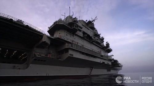 [ẢNH] Khoảnh khắc đẹp của tàu sân bay Nga tham chiến ở Syria - Ảnh 8.
