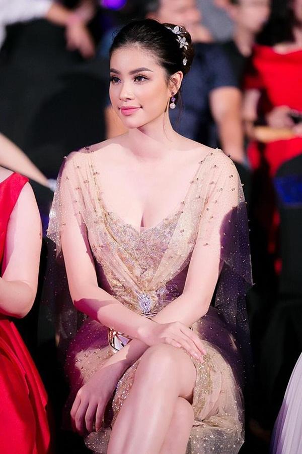 3 hoa hậu Việt sở hữu góc mặt 3/4 đẹp thần thánh - Ảnh 9.