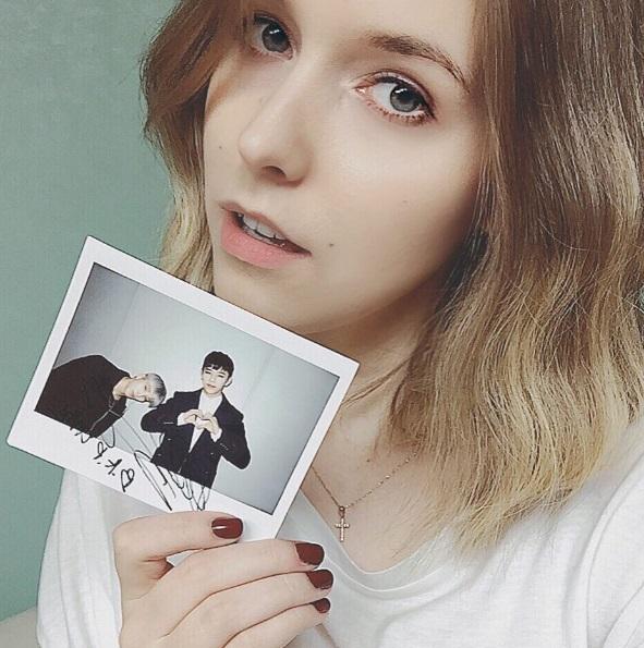 Đây chính là nàng fangirl khiến người hâm mộ BTS phải truy lùng ráo riết vì quá xinh đẹp - Ảnh 8.