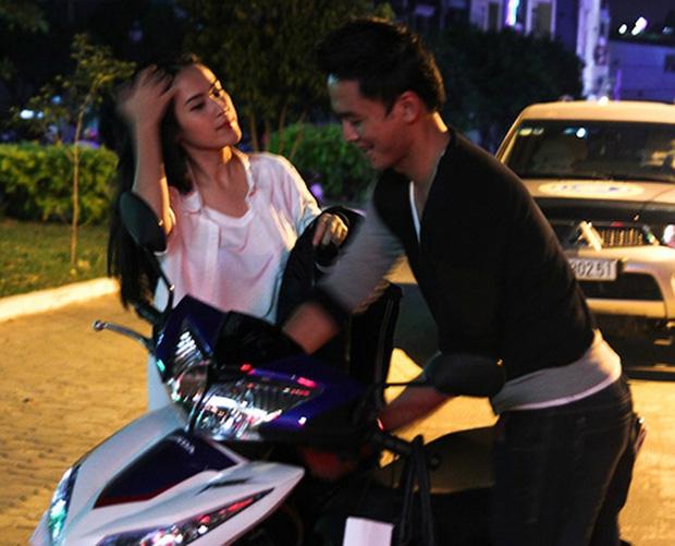 Sau sự hào nhoáng bên ngoài của showbiz, vẫn có những sao Việt giản dị đi xe máy, ăn mì tôm giản dị - ảnh 9