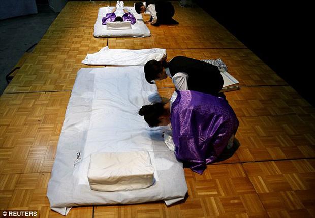 Thi mặc trang phục cho người đã khuất: Cuộc thi đặc biệt, duy nhất có ở Nhật Bản - Ảnh 9.