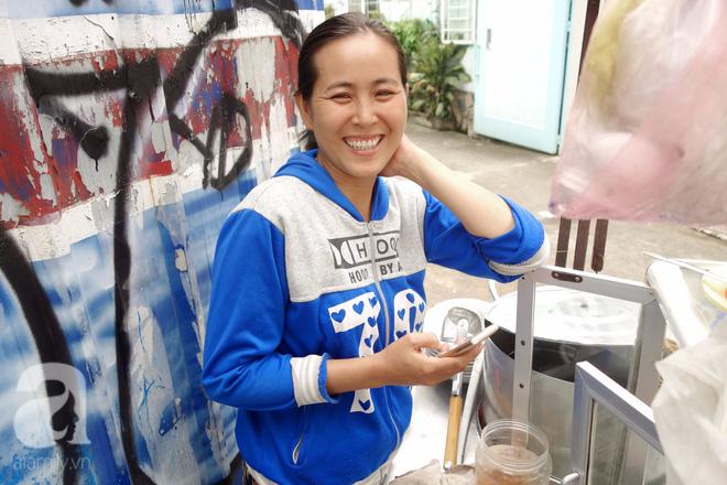 Bò và Vịt đôi chị em bán hàng dễ thương nhất Sài Gòn: Thân như ruột thịt, đắt thì đắt chung, ế cũng ế cùng - Ảnh 9.