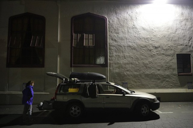 Góc khuất ở Thung lũng Silicon, nơi những người có việc làm ổn định vẫn phải sống như vô gia cư - Ảnh 9.