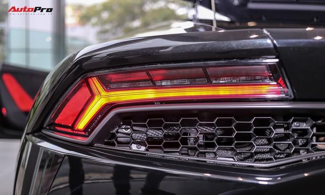 Lamborghini Huracan màu đen đầu tiên Việt Nam đã có chủ nhân - Ảnh 8.