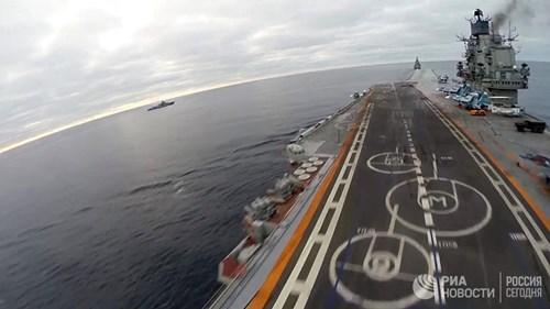 [ẢNH] Khoảnh khắc đẹp của tàu sân bay Nga tham chiến ở Syria - Ảnh 9.
