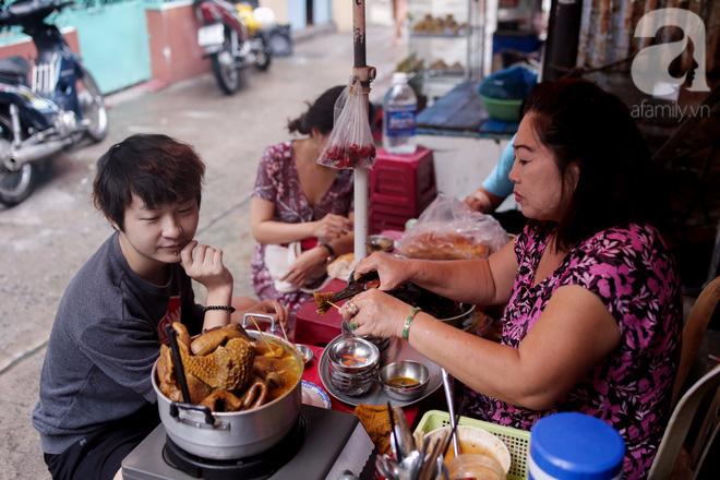 Chuyện cô Ba Sài Gòn có nụ cười giòn tan: Bán phá lấu 28 năm, nuôi 7 miệng ăn và mua nhà 3 tỷ - ảnh 10
