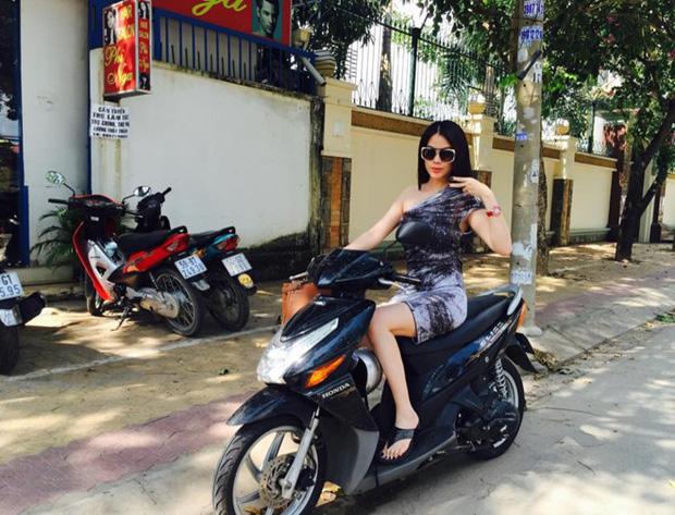 Sau sự hào nhoáng bên ngoài của showbiz, vẫn có những sao Việt giản dị đi xe máy, ăn mì tôm giản dị - ảnh 10
