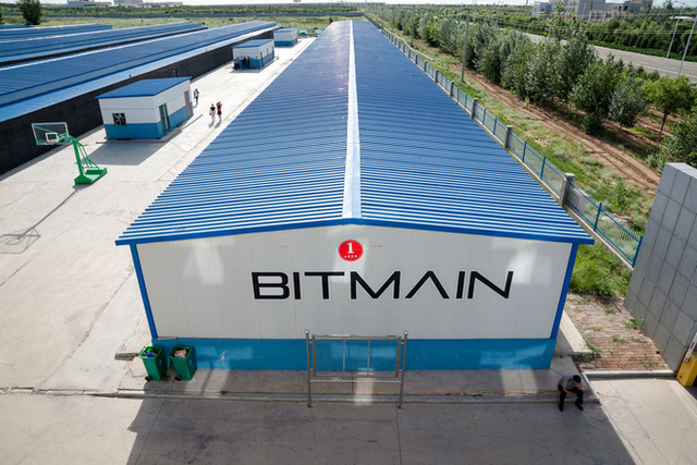 Cuộc sống của những thợ mỏ tại mỏ đào bitcoin lớn nhất thế giới, mỗi ngày kiếm hơn 6 tỷ trả tiền điện gần 900 triệu - Ảnh 10.