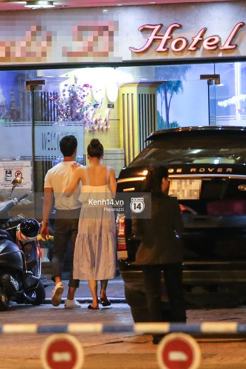 Hà Hồ - Kim Lý lại dính như sam, thân mật ngoài phố và cùng nhau về nhà lúc nửa đêm - Ảnh 10.