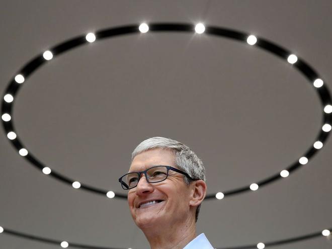 Một ngày bình thường của CEO Tim Cook – người bán iPhone đắt nhất lịch sử: Thức dậy từ 3:45 a.m, nhận 800 email mỗi ngày - Ảnh 10.