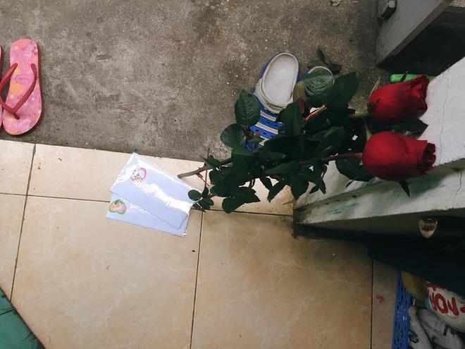 Chị em tới tấp khoe quà 20/10: Người sung sướng với vàng bạc, xe ga, người được tặng rổ hoa thiên lý - Ảnh 10.