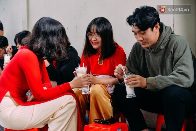 Sữa tươi Mười vào sáng tinh mơ và câu chuyện 20 năm gây thương nhớ của những cô chủ quán dễ thương nhất Sài Gòn - Ảnh 10.