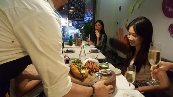 Khám phá chiếc bánh mì giá 2,3 triệu đồng ở Sài Gòn, chỉ hội con nhà giàu mới có thể ăn không nghĩ ngợi - Ảnh 10.