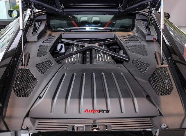 Lamborghini Huracan màu đen đầu tiên Việt Nam đã có chủ nhân - Ảnh 9.