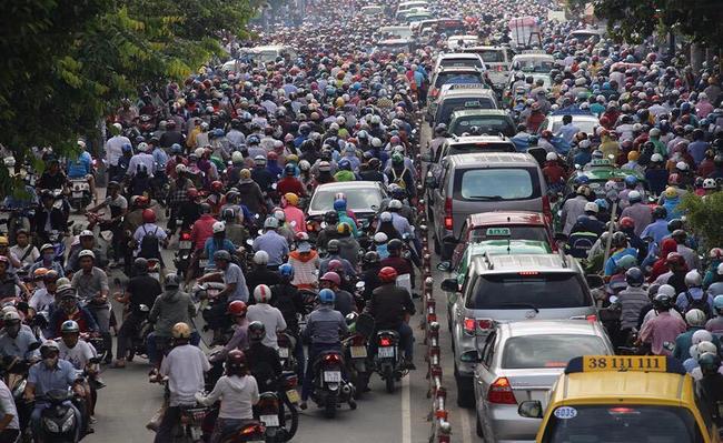Cách mạng 4.0 ở Việt Nam nên bắt đầu từ đâu? Câu trả lời: Hãy nhìn đường phố - Ảnh 2.