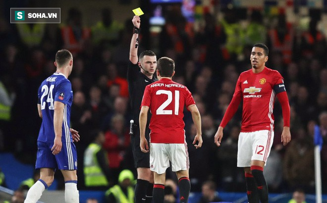 Quyền sinh sát tại derby Manchester được trao vào tay hung thần của Man United - Ảnh 1.