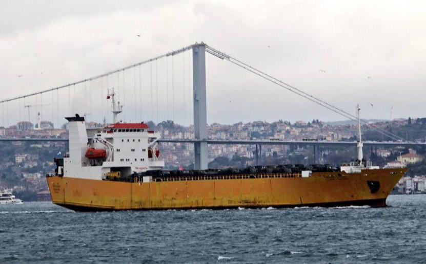 NÓNG: Tàu Nga lại ùn ùn chở xe quân sự hiện đại tới Syria - Viện trợ khẩn cấp?