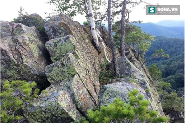Phát hiện dấu tích kim tự tháp 25.000 năm tuổi, to như núi ở Romania - Ảnh 3.