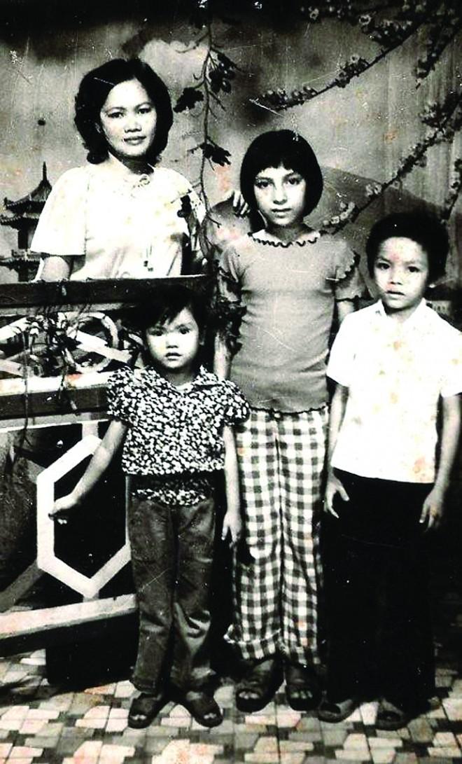 Phi Nhung: Không lấy chồng, cực nhọc mua nhà cho 5 con riêng của mẹ và chăm sóc 17 con nuôi - Ảnh 1