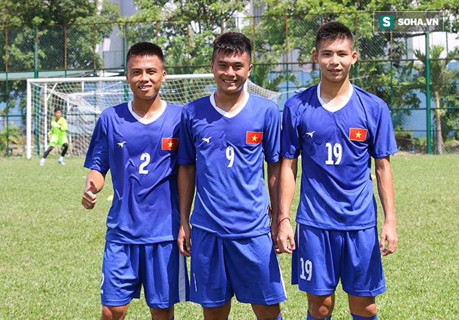 Bí mật thú vị về người thầy của hai ngôi sao U20 Việt Nam - Ảnh 1.